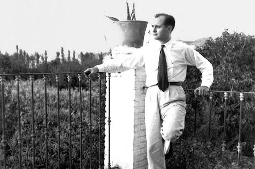 Agustín Penón en la terraza, 1955. Archivo Agustín Penón.